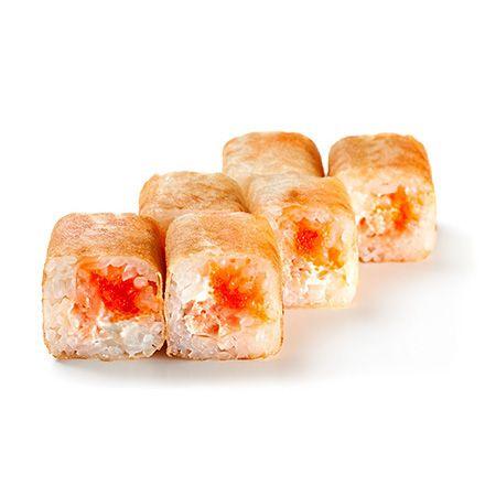 Жареный ролл с лососем