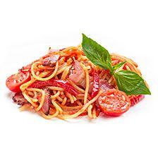 Спагетті з беконом в томатному соусі
