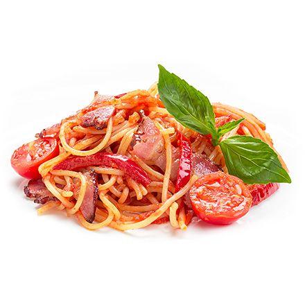 Спагетти с беконом в томатном соусе